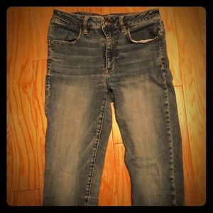 American Eagle High rise jetting Jeans